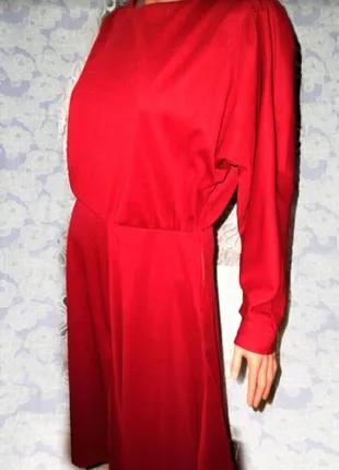 Бордовое, длинное платье с рукавом летучая мышь Triola
