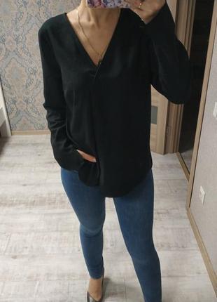 Стильная базовая блуза рубашка актуального черного цвета