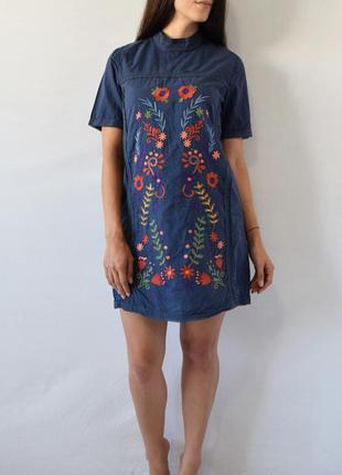 Платье с вышивкой fashion union