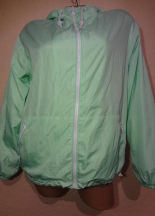 Суперская яркая куртка/ветровка pull&bear размер м