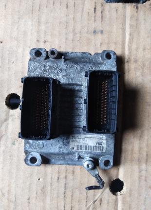 Блок управления ЭБУ Opel Corsa D 55557932 0261208939