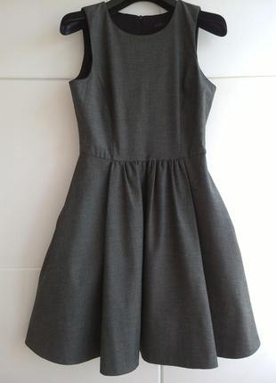 Потрясающее платье zara с пышной юбкой