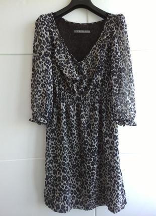 Стильное платье zara с анималистическим принтом
