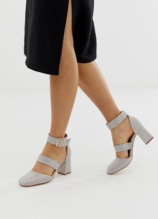 Лаковые туфли на блочном каблуке асос asos london rebel