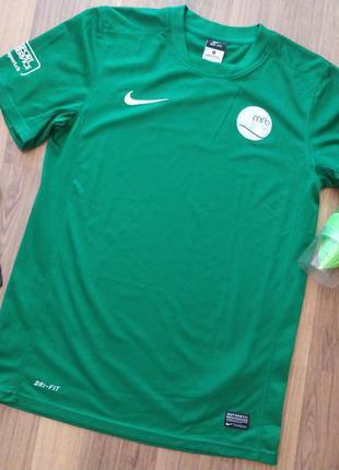 Чоловіча спортивна футболка nike dri-fit