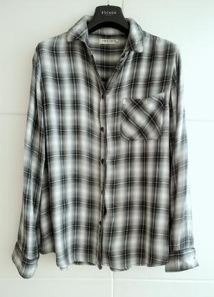 Оригинальная рубашка  с красивым клетчатым орнаментом marks&sp...