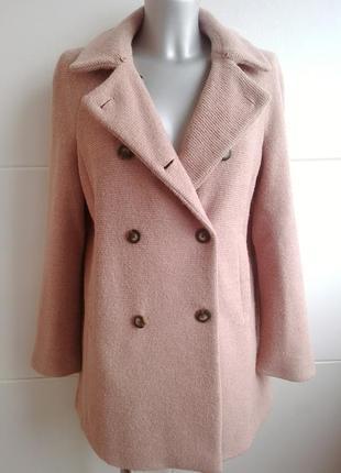 Пальто zara в пастельных розовых тонах