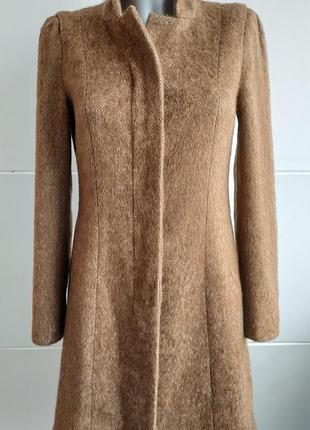 Стильное пальто zara цвета верблюжьей шерсти (camel)