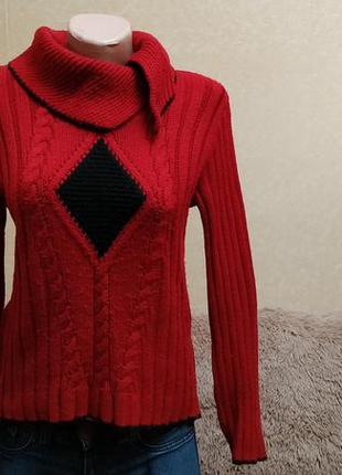 Теплый свитер на зиму, красный