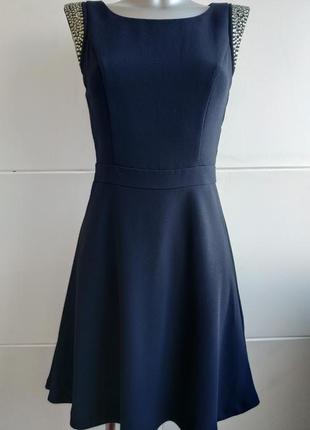 Платье  warehouse с красивым декором