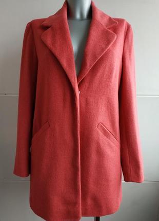 Пальто atmosphere розового цвета прямого кроя