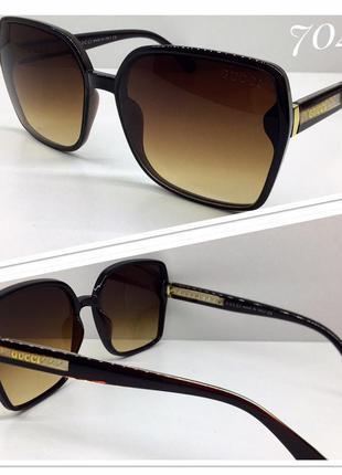 Женские солнцезащитные очки квадраты коричневые