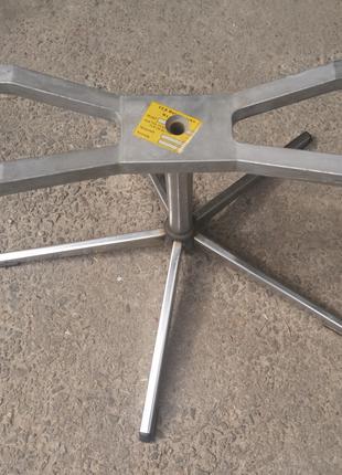 Поворотная станина для кресла (или столика)