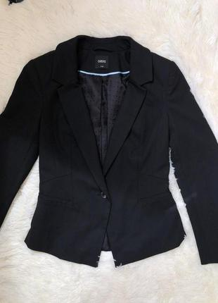 Стильный приталенный базовый пиджак жакет oasis