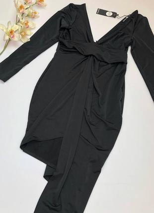 Новое с биркой чёрное платье миди на запах с асимметричным низ...