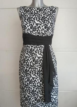 Очаровательное платье -футляр marks&spencer