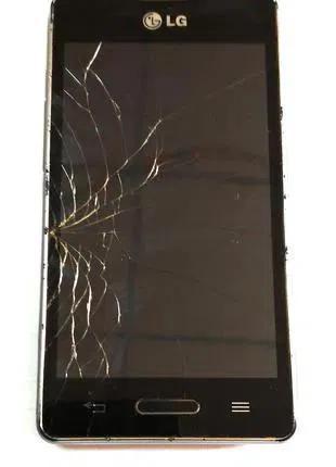 Продам б/у телефон LG-E450