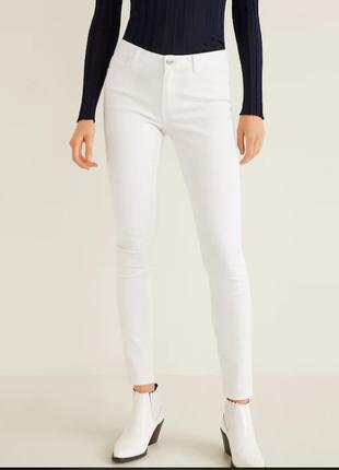 Белые джинсы mango 34