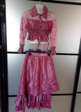 Костюм для девочки. блуза и юбка. на рост 152см.