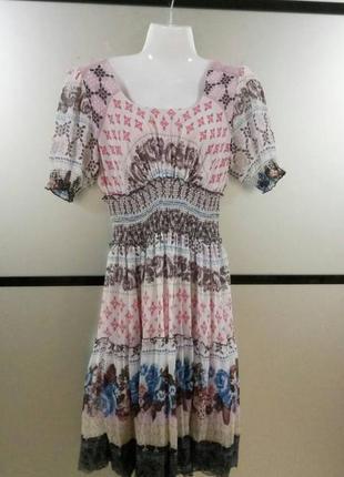 Платье в цветочный принт свободного фасона. сатиновое платье в...