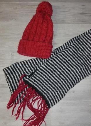 Вязаный комплект шарф и шапка. шерстяной набор шарф и шапка