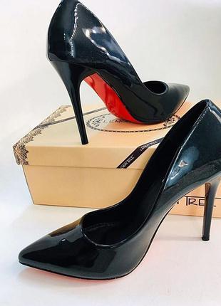 Базовые черные лодочки красная подошва. лаковые туфли лодочки ...