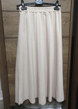 Бежевая базовая юбка плиссе. бежевая миди юбка.