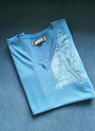 Стильная футболка с v вырезом. м-л