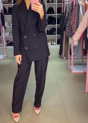 Брючный костюм черный. костюм пиджак и брюки. есть цветахс-м