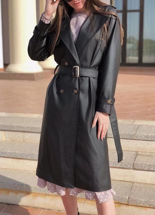 Тренч кожаный чёрный. пальто тренч миди оверсайз  из эко кожи.