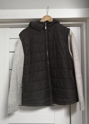 Куртка-жилетка на весну-осень. коричневая куртка трансформер на