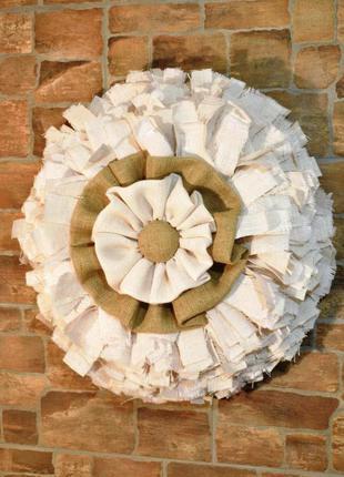 Настенный венок из белой мешковины для декора интерьера в стил...