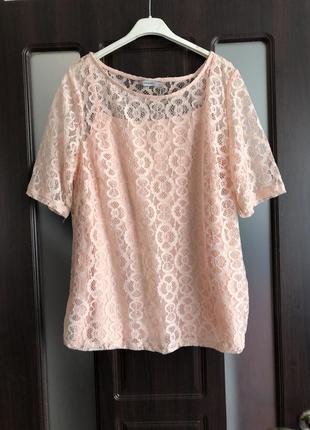 Красивенькая кружевная блуза цвета пудры