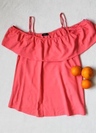 Яркая блузочка с открытыми плечами от f&f, размер l