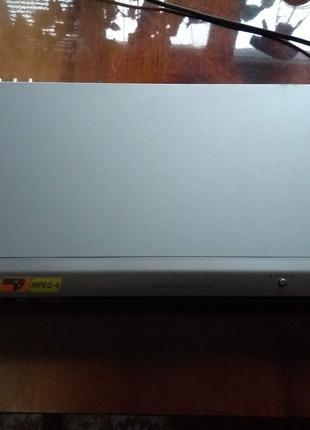Продам Samsung DVD-P365KD з караоке