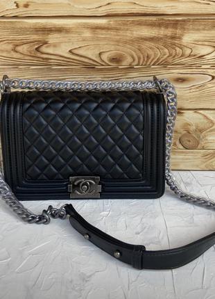 Женская сумка через плечо жіноча чёрная красная Chanel Boy Шанель