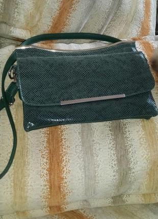 Модный клатч-сумочка зеленого цвета