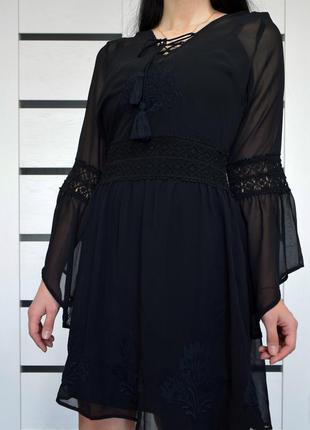 Платье с вышивкой и кисточками (новое, с биркой) anita green
