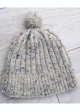 Шапка з помпоном, светлая шапка.