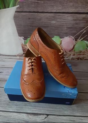 Стильные туфли броги оксфорды