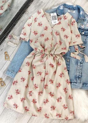 Нежное платье в цветочный принт
