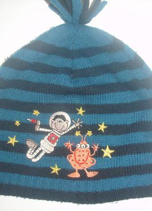Фирменная тонкая деми шапка мальчику 2-5 лет трикотаж