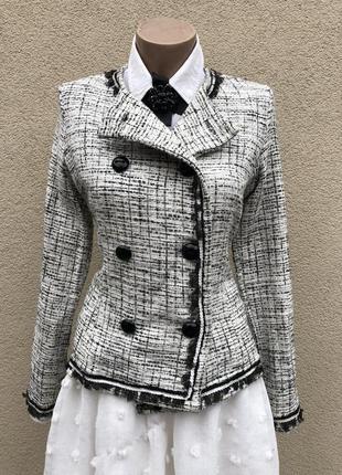 Стильный,твид жакет,пиджак, серебристый перелив,окантовка пайе...