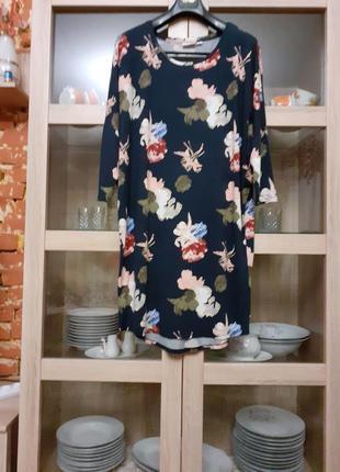 Обворожительное в цветы вискозное платье большого размера