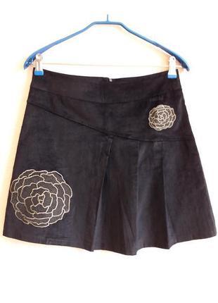 Вельветовая юбка с вышивкой smash