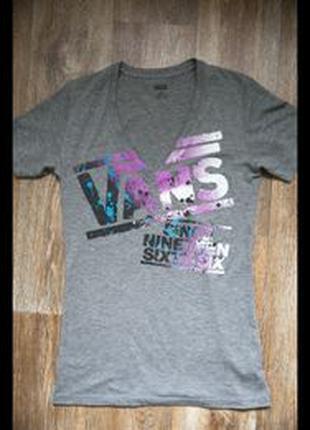 Серая футболка Vans