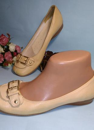Туфли кожаные clarks uk 5.5  eur 38.5-39