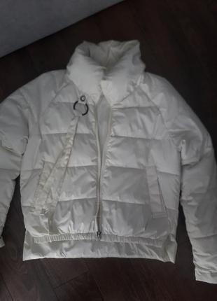 Куртка весняна б/в