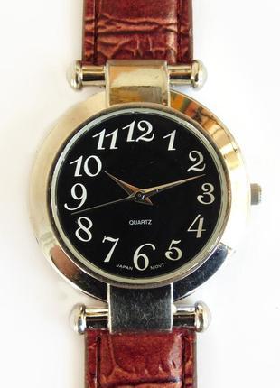 Avon крупные часы из сша на большую руку мех. japan miyota
