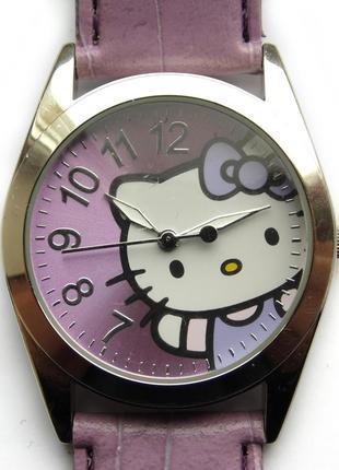 Hello kitty крупные сиреневые детские часы от sanrio